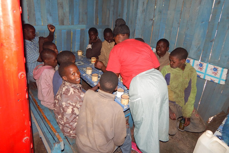 TAT providing food and shelter for children on the streets Kenya